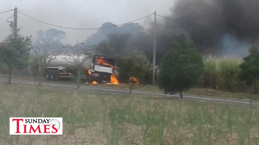 Un camion-citerne prend feu à Bois Rouge : un homme brûlé ...