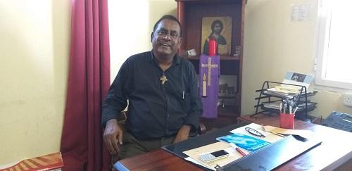 Le Père André Sanassee, Spiritain et directeur du Centre ère Laval