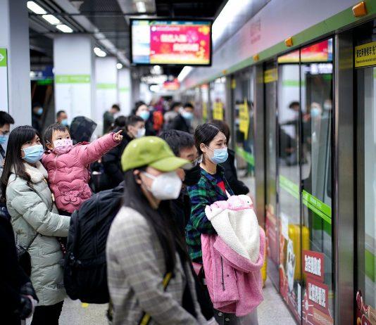 L'épicentre COVID-19 de Wuhan reprend ses services de bus, la Chine signale 47 nouveaux cas importés